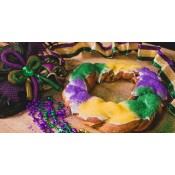 Cartozzo's Strawberry King Cake